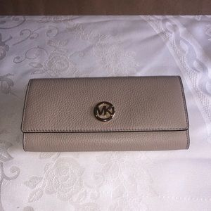 Micheal Kors Wallet Brand New!